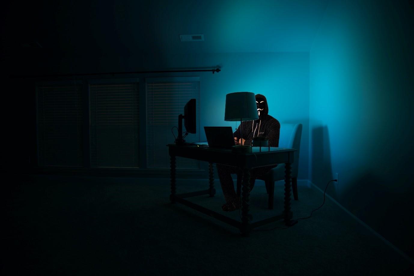 Esto es lo que valen las cuentas de correo, Netflix y Facebook robadas en la dark web
