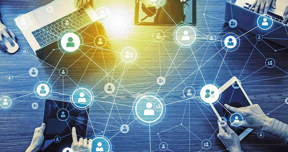 Read more about the article El impacto de las redes convergentes en las últimas tendencias tecnológicas